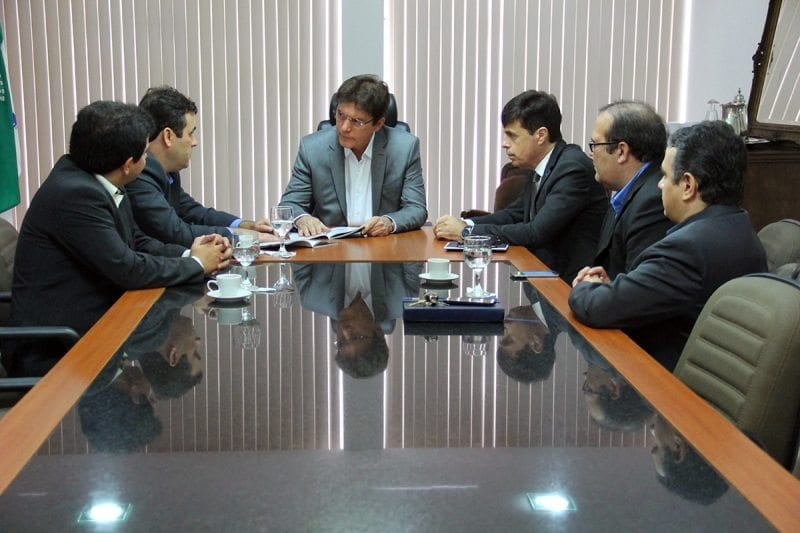 Governador recebe superintendente do Banco do Brasil