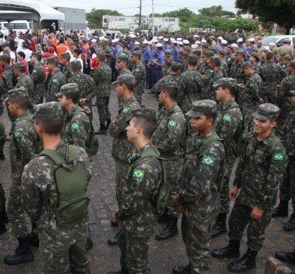 Governo pode antecipar envio da aposentadoria de militares, diz delegado Waldir