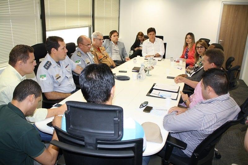 Governador se reúne com militares estaduais para discutir promoções da categoria