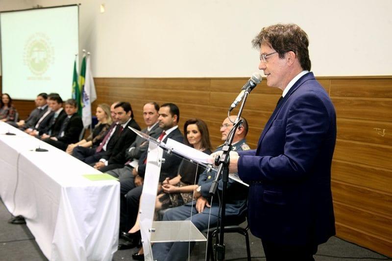 Governador ressalta importância social dos defensores públicos durante posse da defensora geral