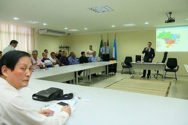 Prefeito de Mossoró discute exportação de melão para a China