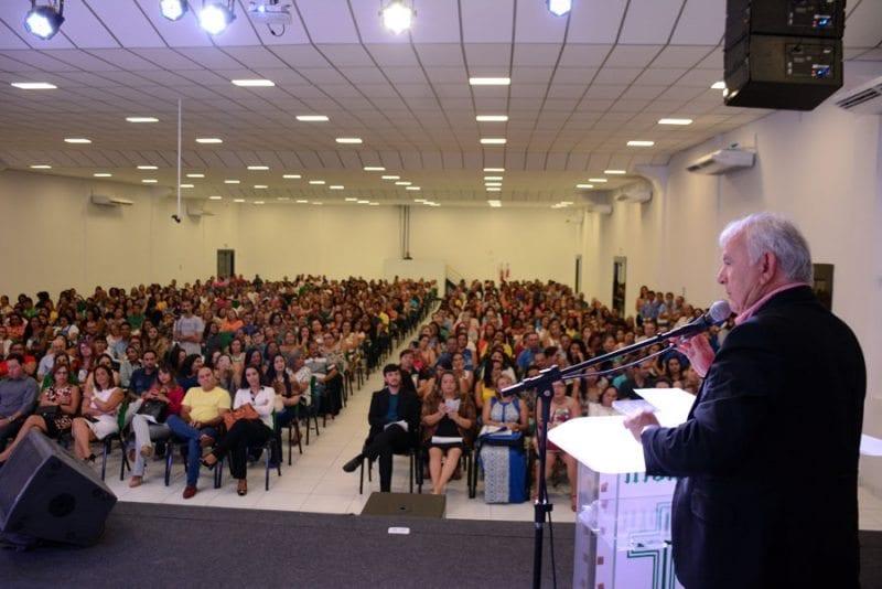 Prefeito de Parnamirim anuncia reajuste de professores, no mesmo percentual do piso nacional