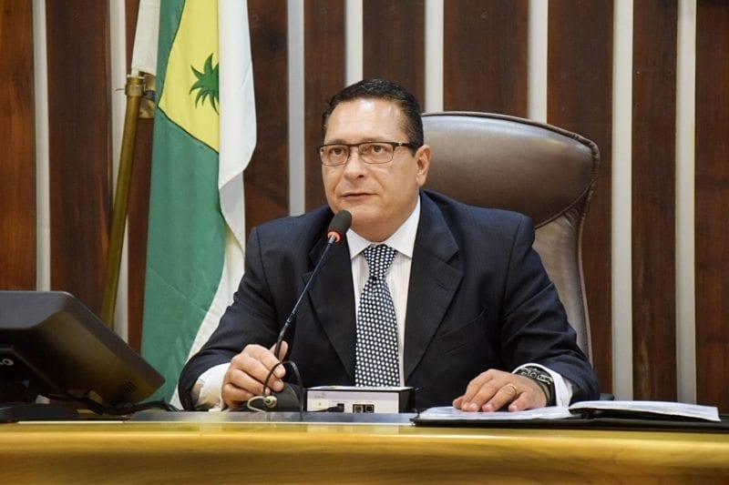 Deputado Ezequiel Ferreira apresenta requerimentos para obras no Seridó