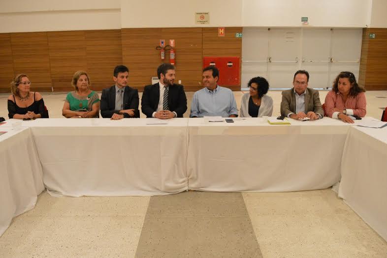 Prefeito Carlos Eduardo assina Projeto de Lei que institui o Sistema Municipal de Políticas Públicas Sobre Drogas