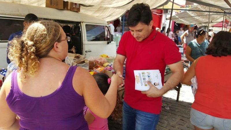 Em pré-campanha, deputado Carlos Augusto participa do Dia de Mobilização