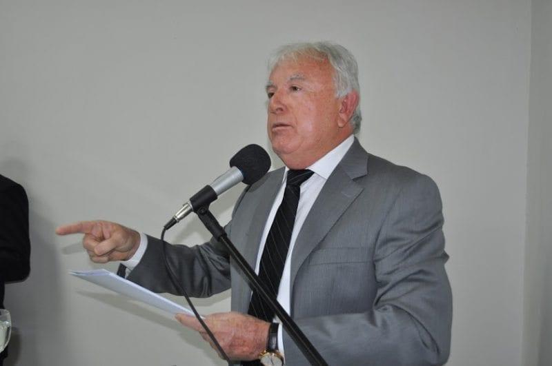 """Em nota, Maurício Marques afirma que acredita na """"probidade do ex-secretário Naur Ferreira"""""""