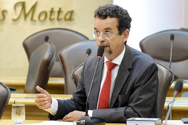 Deputado Fernando Mineiro fala sobre o projeto Transporte Cidadão