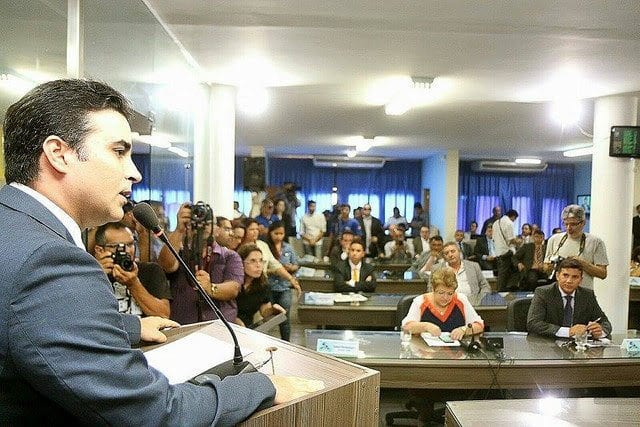 Candidato a reeleição, Francisco José Júnior contabiliza 14 partidos na base de apoio