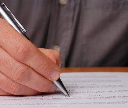 Concursos públicos oferecem 17.172 vagas com salários de até R$ 35,5 mil