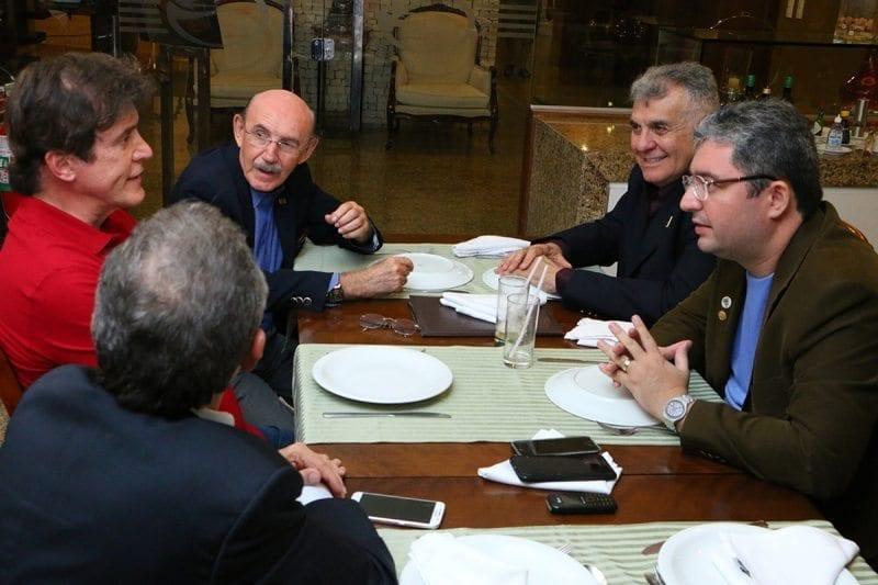Governador se reúne com empresários, vereadores e médicos para discutir saúde e segurança em Mossoró