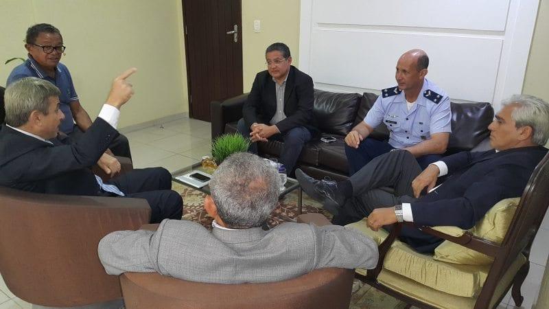 Câmara Municipal de Parnamirim recebe visita do novo comandante da Primeira Força Aérea