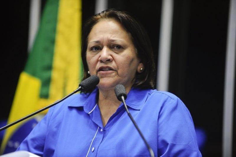 """Senadora Fátima Bezerra volta a dizer que Brasil vive ameaça de um """"golpe"""""""