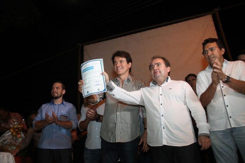 Governador assina ordem de serviço para saneamento da cidade de Apodi