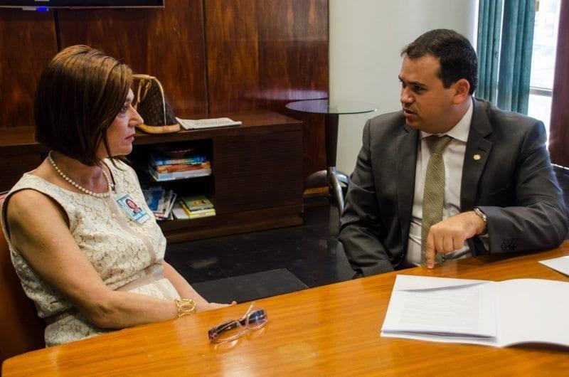 Diretora da ANP confirma venda de campos da Petrobras