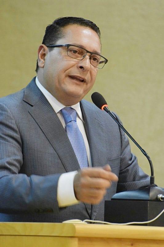 Presidente da Assembleia anuncia cortes de comissionados, convocação dos concursados e criação da Ouvidoria