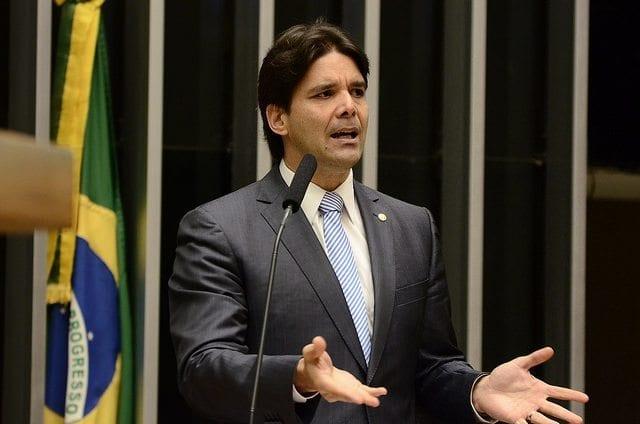 """""""Não é apenas pelos 20 centavos"""", diz Felipe Maia ao defender impeachment da presidente Dilma Rousseff"""