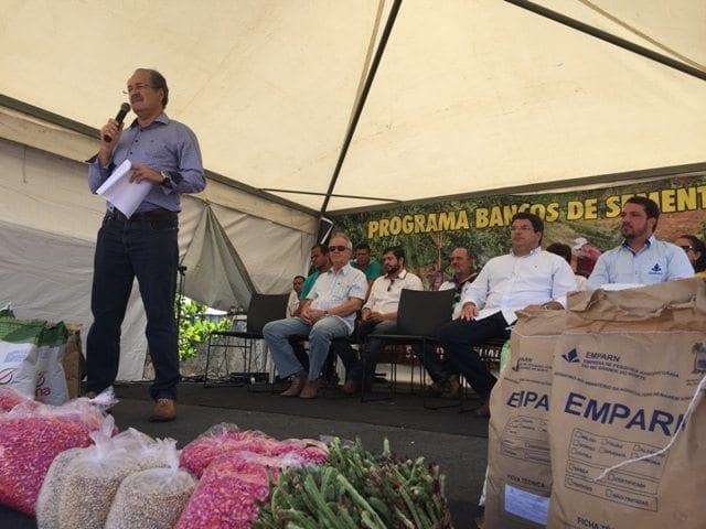 Governo entrega sementes a 215 agricultores e lança Feira da Agricultura Familiar em Extremoz