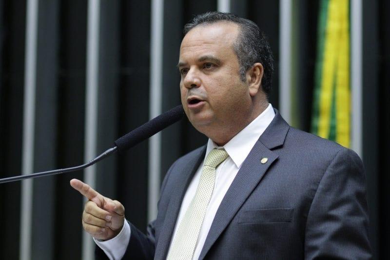 Rogério discursa no plenário