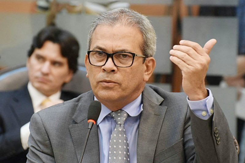 Deputado Hermano Morais pede ao Governo que reveja medidas tributárias