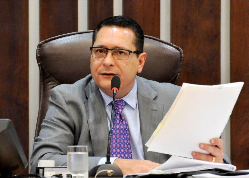 Deputado Ezequiel Ferreira solicita ramal da adutora Boqueirão para distritos de Touros