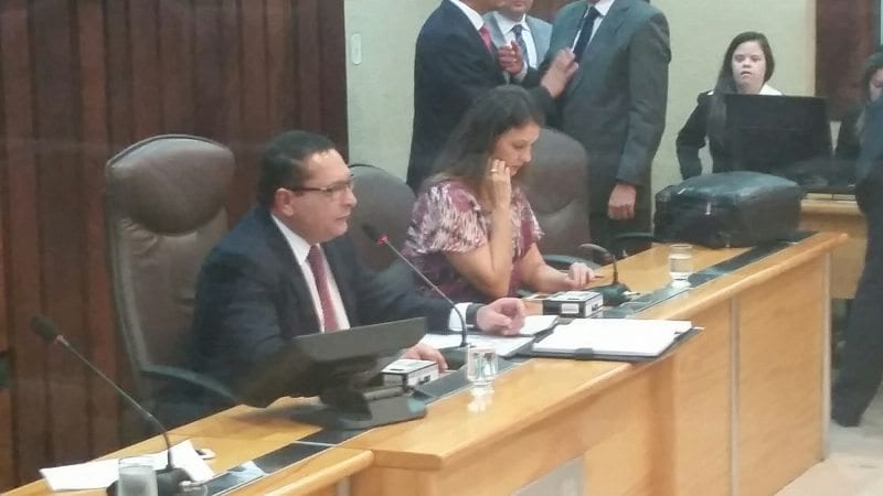 Presidente da Assembleia homenageia ex-prefeito de Tenente Laurentino