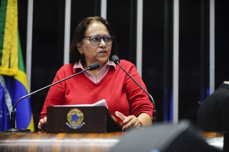 Senadora Fátima Bezerra presta solidariedade à deputada Zenaide Maia