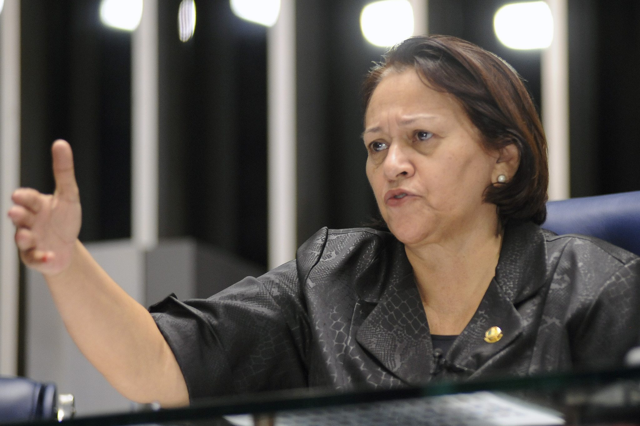 """Senadora Fátima Bezerra: """"Senado deve corrigir o equívoco do processo de Impeachment"""""""