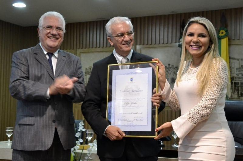 Médico e empresário Delfin Gonzalez recebe cidadania natalense