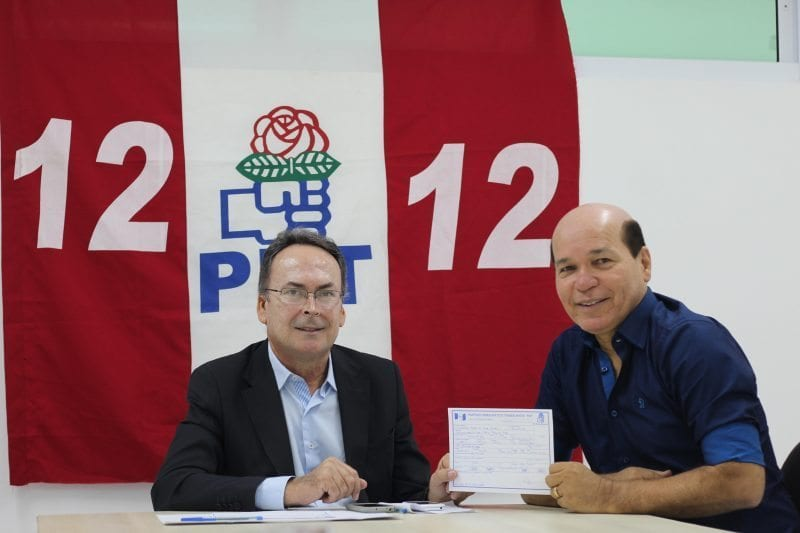 Suplente de vereador, Júnior Grafith assina ficha de filiação do PDT