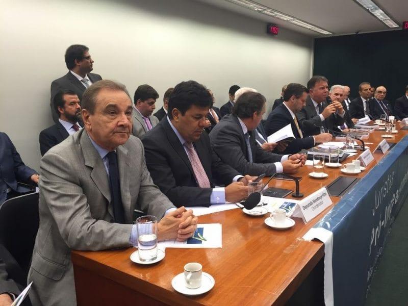 Senador José Agripino participa de ato pró-impeachment com a presença de juristas