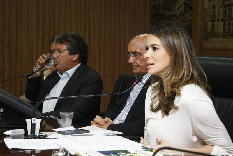 Frente Parlamentar debate aumento dos casos de microcefalia