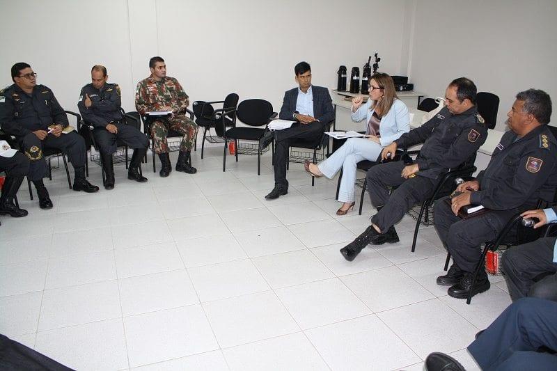 Secretária da Sesed se reúne com profissionais da segurança pública e Poder Judiciário em Mossoró
