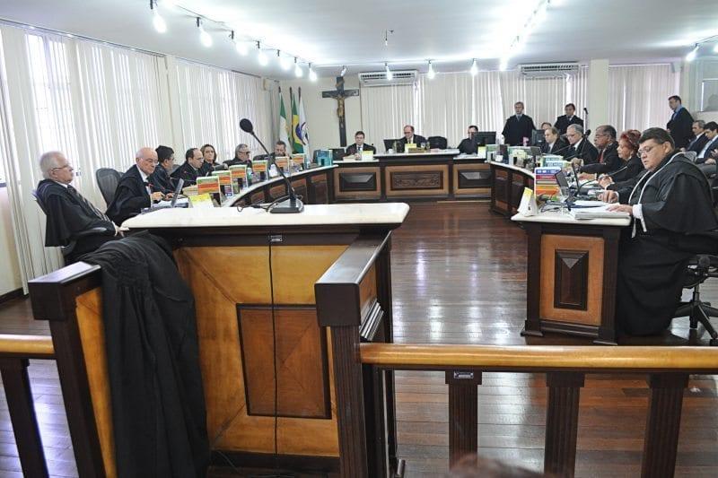 Pleno indica juíza Berenice Capuxu para TRE e define lista tríplice de advogados