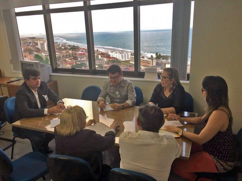 FECAM, FEMURN e TCE ajustam detalhes da capacitação para funcionários públicos em Currais Novos