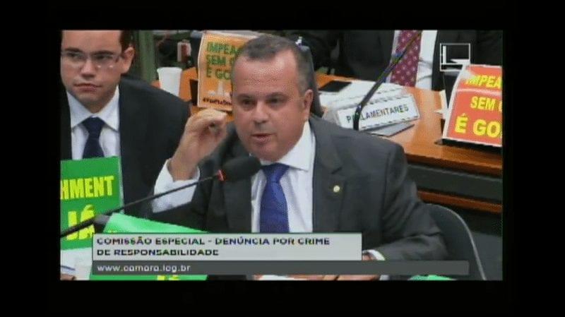 """Na Comissão do Impeachment, Rogério detona PT e dispara: """"Dilma é Chávez tupiniquim de saias"""""""