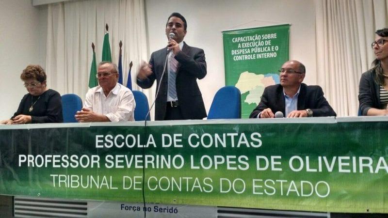 Capacitação sobre despesa pública e controle interno do TCE/RN vai até o município de Portalegre