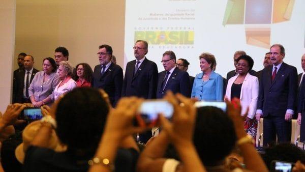 Senadora Fátima Bezerra em evento ao lado da presidente Dilma Rousseff