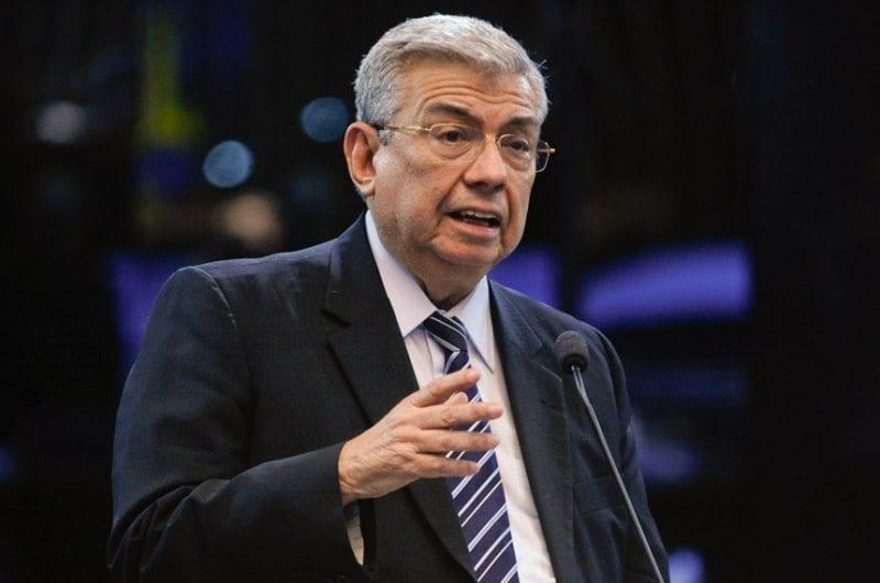 Senador Garibaldi Filho cobra posição do PMDB para entregar cargos do Governo Federal