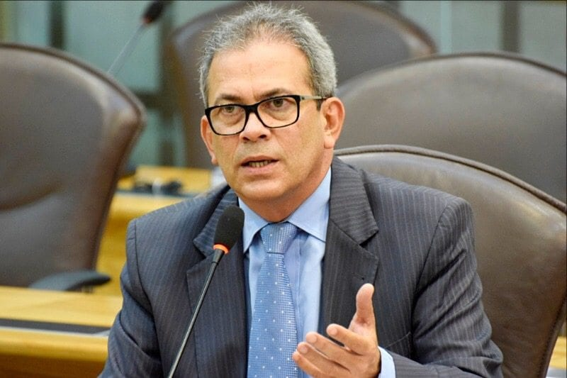 Deputado Hermano Morais defende construção de escola em Macaíba
