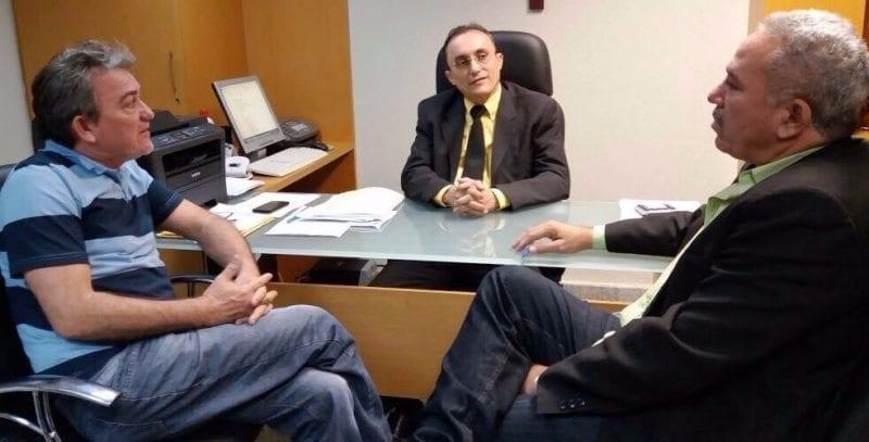 Presidente estadual do PHS, Leandro Prudêncio e o Deputado Souza se reúnem com líderes políticos de João Câmara