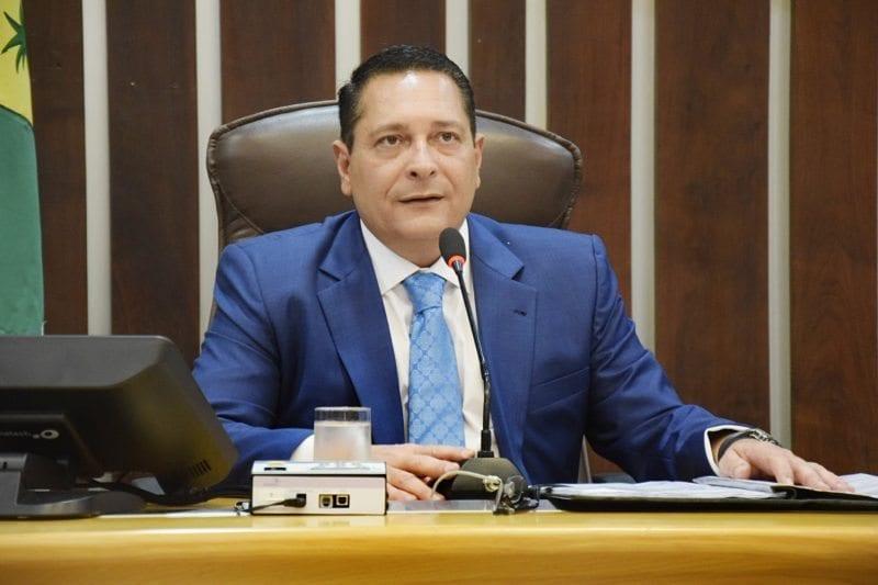 Deputado Ezequiel Ferreira busca recuperação de estradas do Agreste
