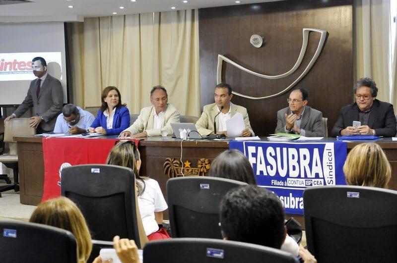 Contratação em regime de CLT foi um dos temais mais debatidos em audiência na Assembleia