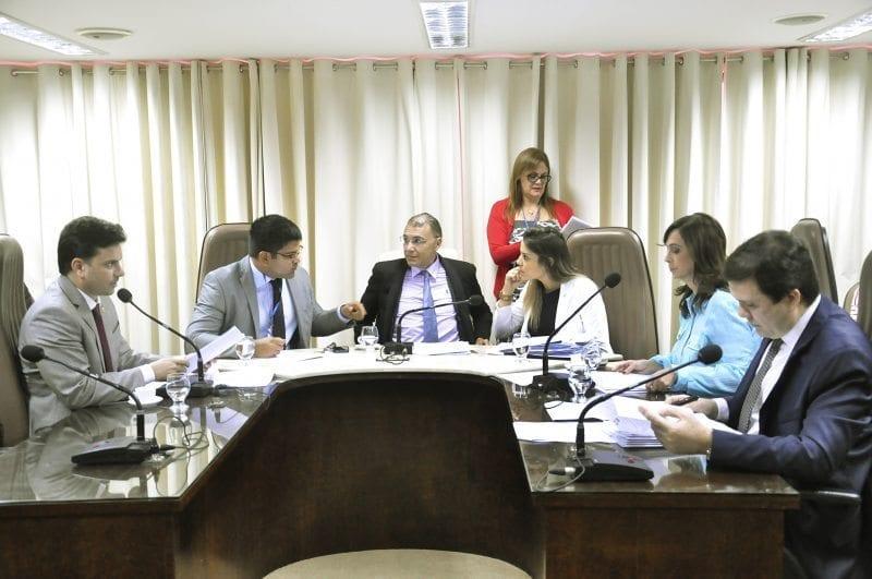 CCJ da Assembleia aprova projeto sobre descarte de medicamentos vencidos