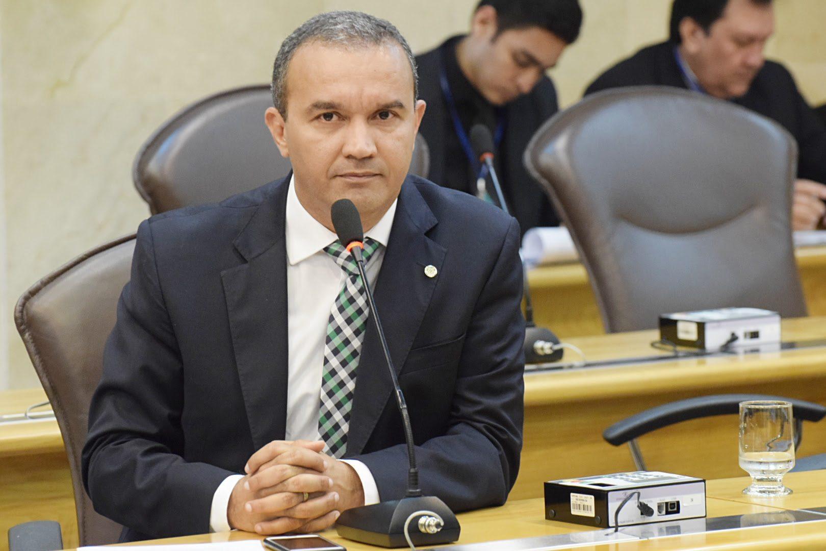 Deputado Kelps Lima diz que é preciso modernizar a gestão pública do Estado
