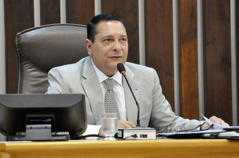 Deputado Ezequiel Ferreira requer reforma de ponte e passagem molhada para Nova Cruz