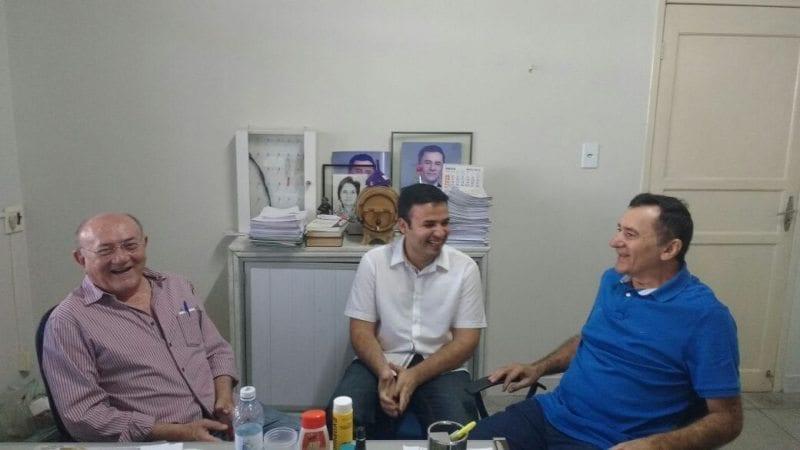 Vivaldo e Tadeu são recebidos por Bibi Costa e conversam sobre Eleições 2016
