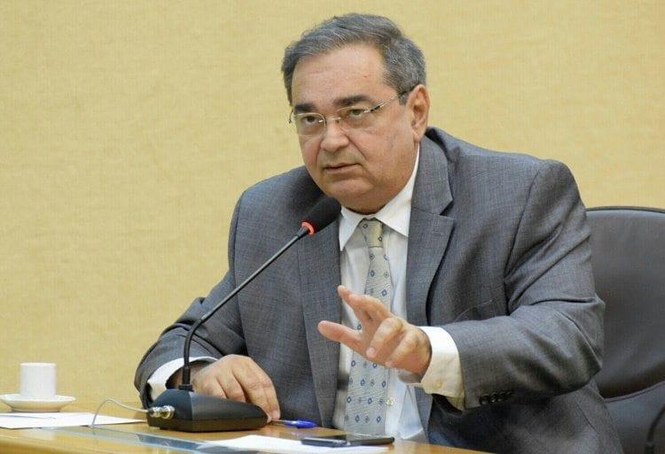 Álvaro Dias afirma que bancada do PDT não deve interferir na escolha do vice de Carlos Eduardo