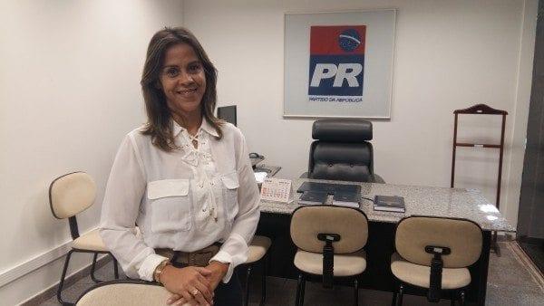 Sucessão em Santa Cruz: vereadora Gilcelly Adriano rompe com grupo governista e se coloca como pré-candidata a prefeita