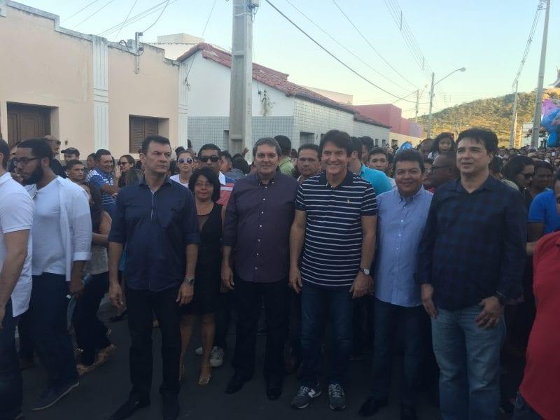 Governador participa da procissão de Santa Rita, em Santa Cruz