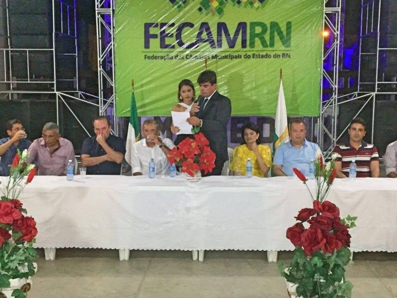Vereador Diego Macedo é empossado como presidente da FECAM